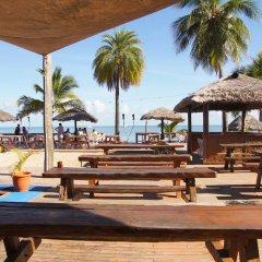Smugglers Cove Beach Resort and Hotel пляж фото 2
