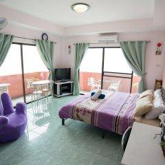 Отель Pattaya Holiday Lodge Паттайя комната для гостей фото 5
