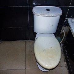 Отель Emglo Suites ванная фото 2