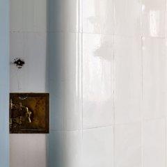 Гостиница City Of Rivers Kutuzova Embankment в Санкт-Петербурге отзывы, цены и фото номеров - забронировать гостиницу City Of Rivers Kutuzova Embankment онлайн Санкт-Петербург ванная