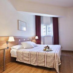 Отель Acta Antibes Барселона комната для гостей