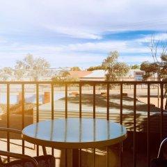 Desert Cave Hotel балкон