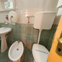 Отель Hostel Centar Сербия, Белград - отзывы, цены и фото номеров - забронировать отель Hostel Centar онлайн ванная