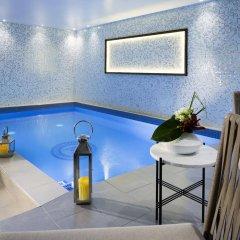 Отель Les Matins De Paris бассейн