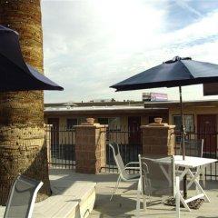 Отель Desert Hills Motel США, Лас-Вегас - отзывы, цены и фото номеров - забронировать отель Desert Hills Motel онлайн балкон