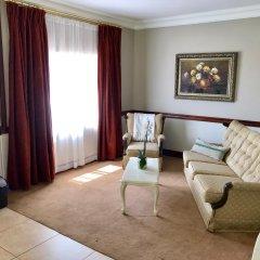 Отель J's Guesthouse комната для гостей