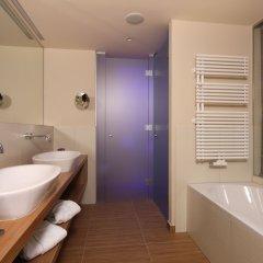 Отель Bergland Design- und Wellnesshotel Австрия, Зёльден - отзывы, цены и фото номеров - забронировать отель Bergland Design- und Wellnesshotel онлайн ванная фото 2