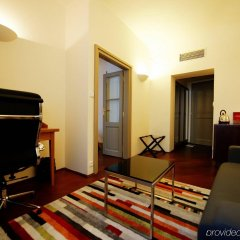 Iron Gate Hotel and Suites удобства в номере