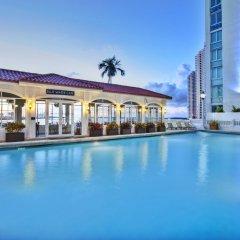 Отель InterContinental Miami бассейн