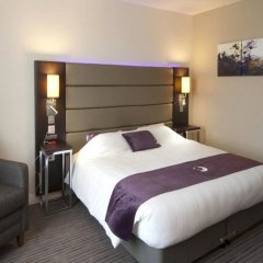 Отель Premier Inn London Bank - Tower комната для гостей