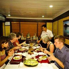 Отель Legend Halong Private Cruise питание