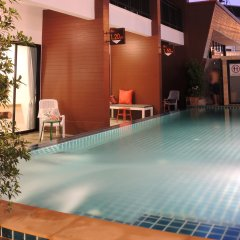Отель Chitra Suite Паттайя бассейн