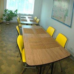 Гостиница Yellow House Hostel Украина, Львов - 3 отзыва об отеле, цены и фото номеров - забронировать гостиницу Yellow House Hostel онлайн питание