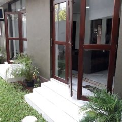 Отель Cheriton Residencies Шри-Ланка, Коломбо - отзывы, цены и фото номеров - забронировать отель Cheriton Residencies онлайн вид на фасад