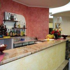 Hotel La Fattoria Кастельсардо гостиничный бар