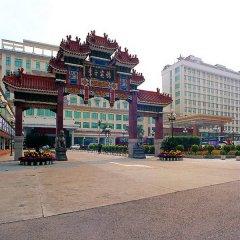 Dong Fang Hotel парковка