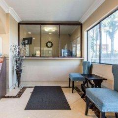 Отель Rodeway Inn & Suites LAX интерьер отеля