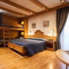 Hotel Posta Форни-ди-Сопра сейф в номере
