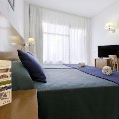 Отель azuLine Hotel S'Anfora & Fleming Испания, Сан-Антони-де-Портмань - отзывы, цены и фото номеров - забронировать отель azuLine Hotel S'Anfora & Fleming онлайн комната для гостей фото 3