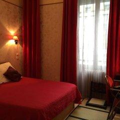 Отель Hôtel Les Chansonniers Франция, Париж - отзывы, цены и фото номеров - забронировать отель Hôtel Les Chansonniers онлайн комната для гостей фото 5