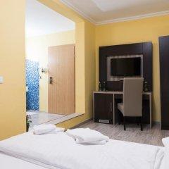 Отель Restaurant Villa Flora Аниф фото 4