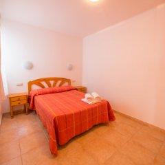 Отель Apartaments AR Europa Sun Испания, Бланес - отзывы, цены и фото номеров - забронировать отель Apartaments AR Europa Sun онлайн комната для гостей фото 4