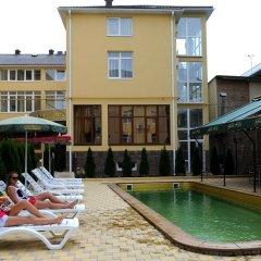 Гостиница Green Hosta в Сочи 2 отзыва об отеле, цены и фото номеров - забронировать гостиницу Green Hosta онлайн бассейн фото 2