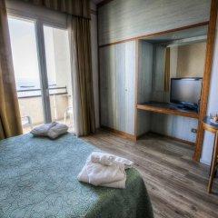 Hotel Life Римини комната для гостей фото 3