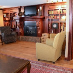 Отель Holiday Inn Express & Suites Charlottetown интерьер отеля