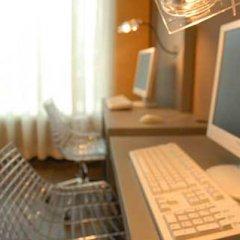 Отель Petit Palace Puerta de Triana Испания, Севилья - отзывы, цены и фото номеров - забронировать отель Petit Palace Puerta de Triana онлайн сауна