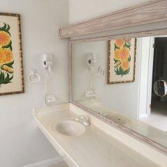 Отель Coral Sands Beach Resort ванная фото 2