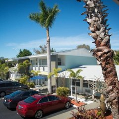 Отель Regency Inn & Suites парковка