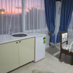 Hotel Antonio Чешме в номере