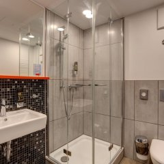 Отель MEININGER Hotel Munich Olympiapark Германия, Мюнхен - отзывы, цены и фото номеров - забронировать отель MEININGER Hotel Munich Olympiapark онлайн ванная фото 2
