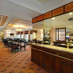 Отель Danubius Health Spa Resort Hvězda-Imperial-Neapol гостиничный бар