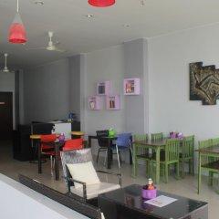 Отель Holiday Home Patong гостиничный бар