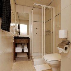 Отель Best Western Dam Square Inn ванная фото 2