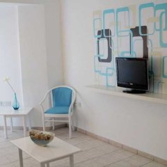 Отель Lantiana Gardens ApartHotel Кипр, Протарас - 3 отзыва об отеле, цены и фото номеров - забронировать отель Lantiana Gardens ApartHotel онлайн комната для гостей фото 4