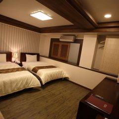 Отель Hill house Hotel Южная Корея, Сеул - отзывы, цены и фото номеров - забронировать отель Hill house Hotel онлайн сейф в номере