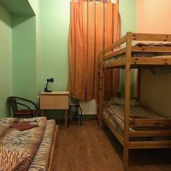Tiger Hostel сейф в номере