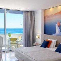 Апартаменты Ammades Epsilon Apartments комната для гостей
