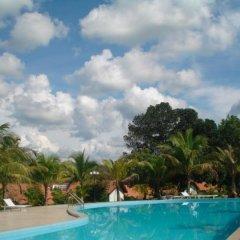 Отель Lak Resort бассейн