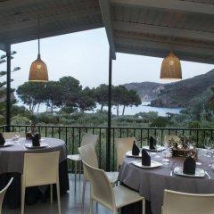 Отель Cala Joncols Испания, Курорт Росес - отзывы, цены и фото номеров - забронировать отель Cala Joncols онлайн питание