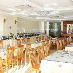 Отель Corvin Hotel Вьетнам, Вунгтау - отзывы, цены и фото номеров - забронировать отель Corvin Hotel онлайн гостиничный бар