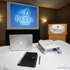 Отель Delta Hotels by Marriott Vancouver Downtown Suites Канада, Ванкувер - отзывы, цены и фото номеров - забронировать отель Delta Hotels by Marriott Vancouver Downtown Suites онлайн интерьер отеля