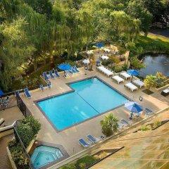 Отель Hilton Bellevue бассейн