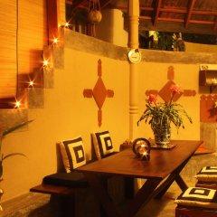 Отель Dionis Villa гостиничный бар