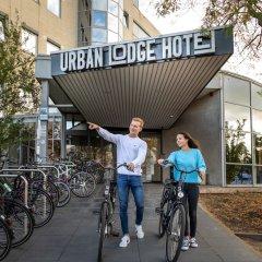 Отель Urban Lodge Hotel Нидерланды, Амстердам - отзывы, цены и фото номеров - забронировать отель Urban Lodge Hotel онлайн спортивное сооружение
