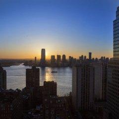 Отель New York Marriott Downtown США, Нью-Йорк - отзывы, цены и фото номеров - забронировать отель New York Marriott Downtown онлайн приотельная территория