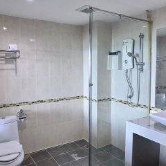 Отель The Beach Front Resort Pattaya ванная